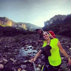 Na foto eu to rindo, mas tava me cagando pq logo depois a água do rio batia no joelho..rs..